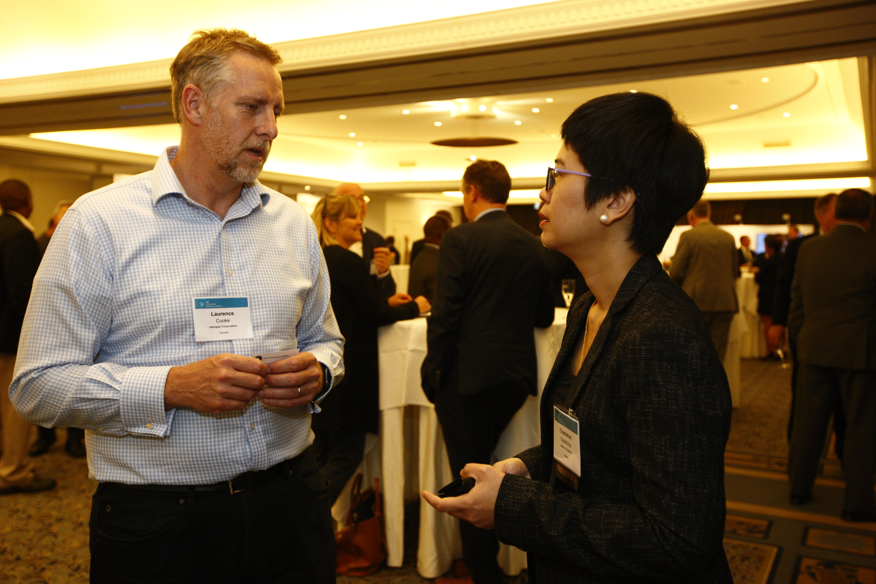 Laurence Cooke, nanopay Founder and CEO (left), engaging with Chananun Supadulya, Deputy Director at the Office of Corporate Strategy, Bank of Thailand (right)